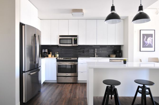 clean kitchen cabinets_renoquotes.com_armoires cuisine moderne